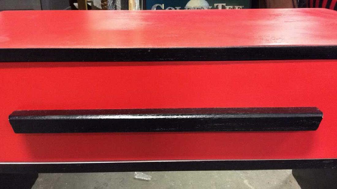 Mid Painted Red Black Low Table Graphic pop red black - 6