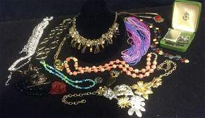 Lot of Contemporary Costume Jewlery Pendant with