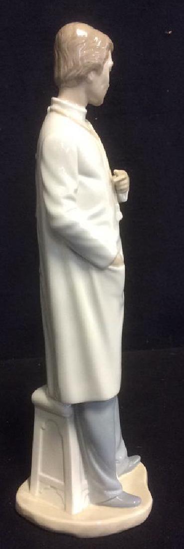 Lladro 'The Doctor' Figurine Elegant Figurine from - 3