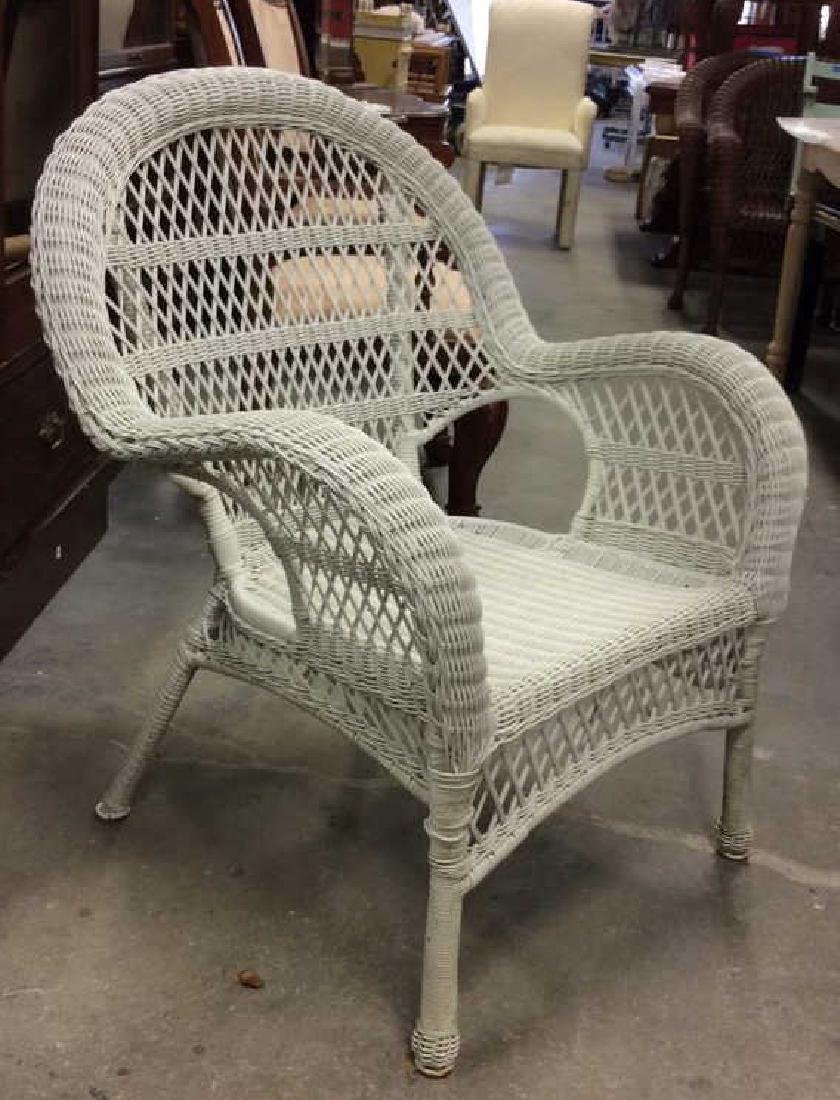 Vintage White Wicker Parlor Set Vintage indoor out door - 10