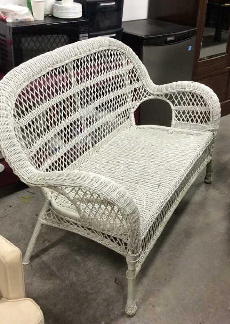 Vintage White Wicker Parlor Set Vintage indoor out door - 3