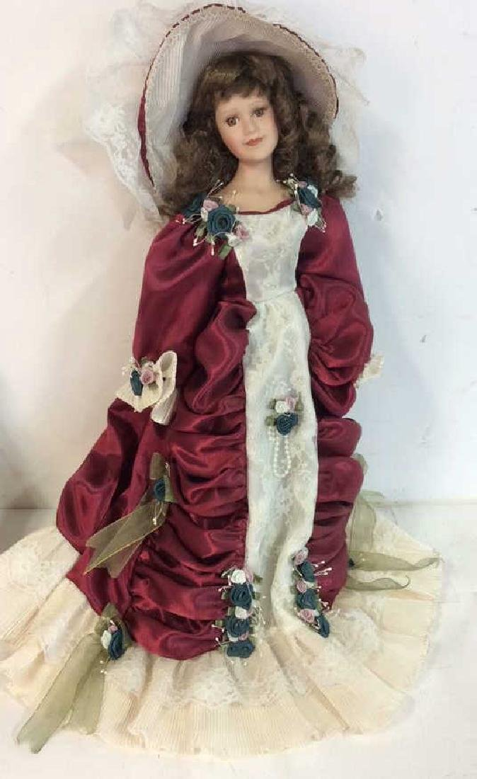 Collectible Porcelain Costumed pair Dolls Detailed - 4