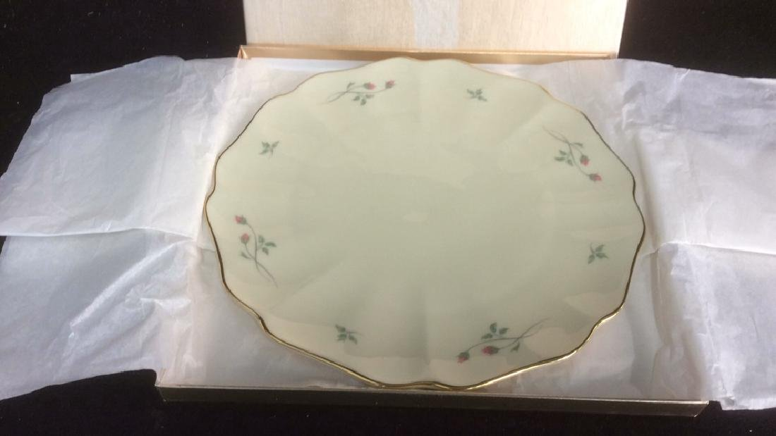 Lenox Cake with Floral Motif and Gold Trim Lenox Rose - 2