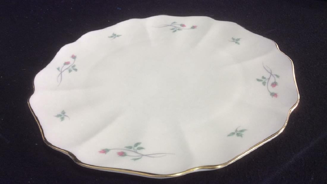 Lenox Cake with Floral Motif and Gold Trim Lenox Rose - 3