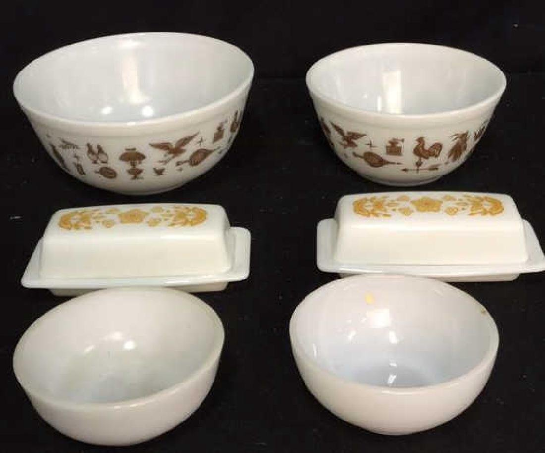 Assortment Of Vintage Pyrex Dishes 4 pieces of vintage - 2