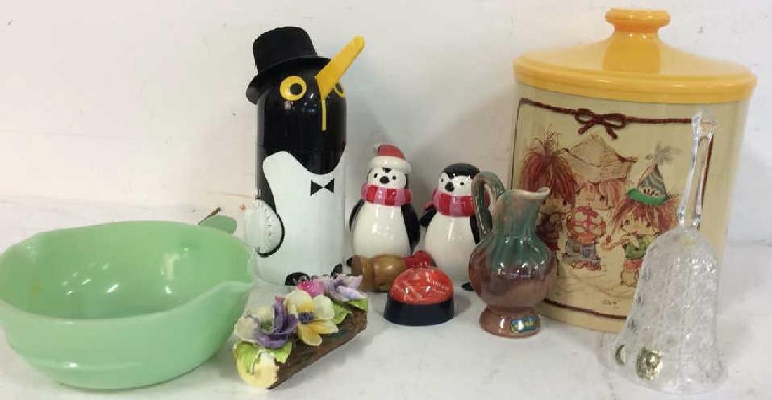 Vintage Kitchen Collectibles Group Penguin timer,
