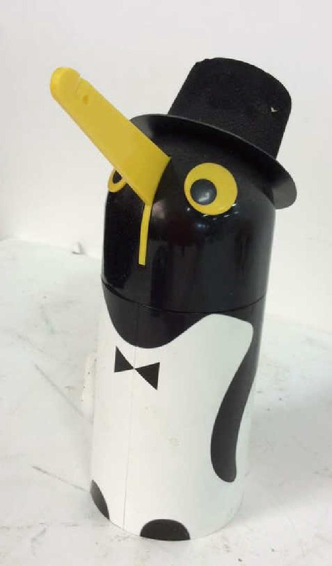 Vintage Kitchen Collectibles Group Penguin timer, - 5