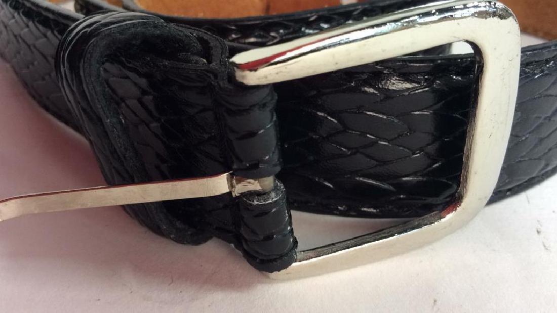 Box Lot Vintage Ladies abelts. Leather Box Lot of - 7