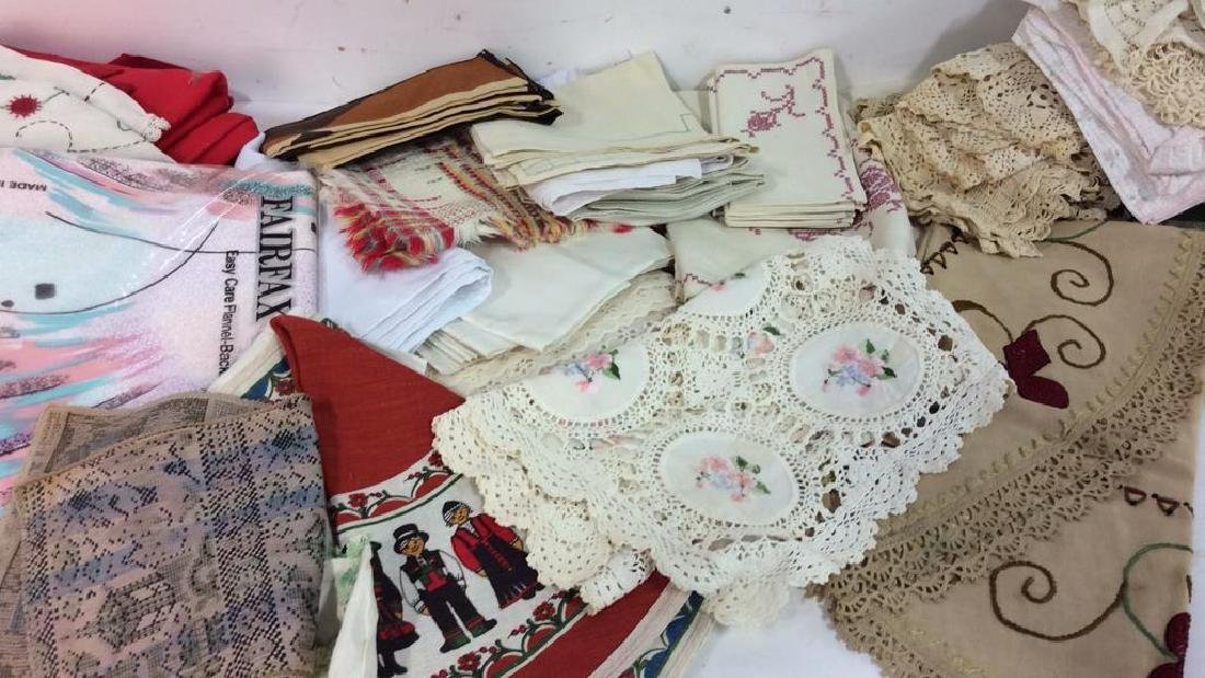 Group Lot Vintage Table Linens - 2