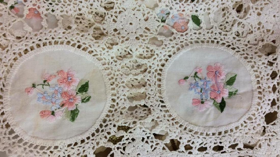 Group Lot Vintage Table Linens - 3