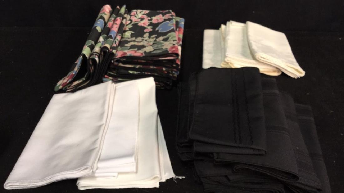 Group Lot Of Tablecloths And Napkins - 7