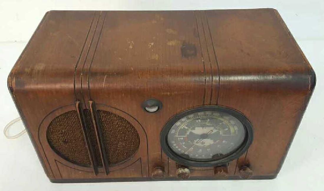 Antique Circa 1930s Radio - 2