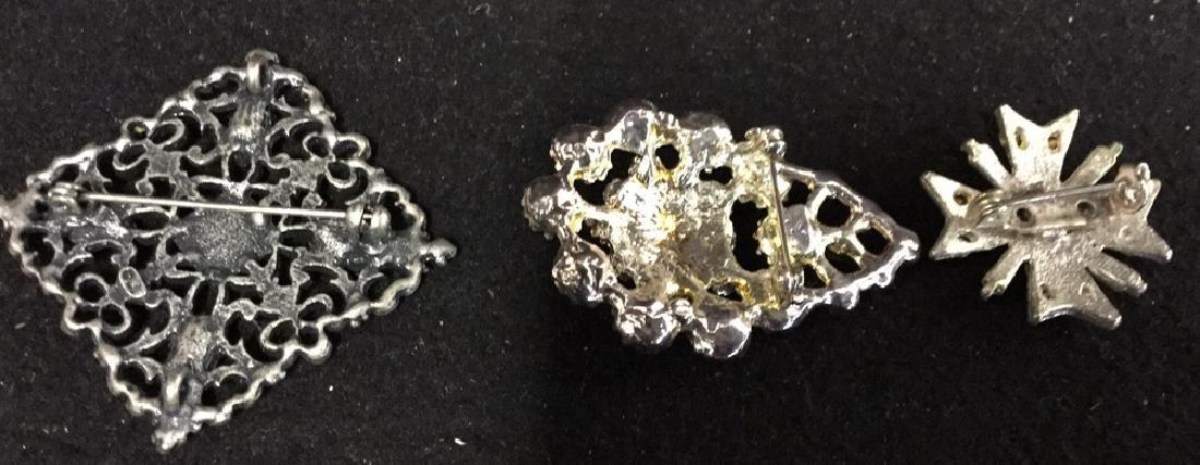 Porcelain Flower Pin - 10