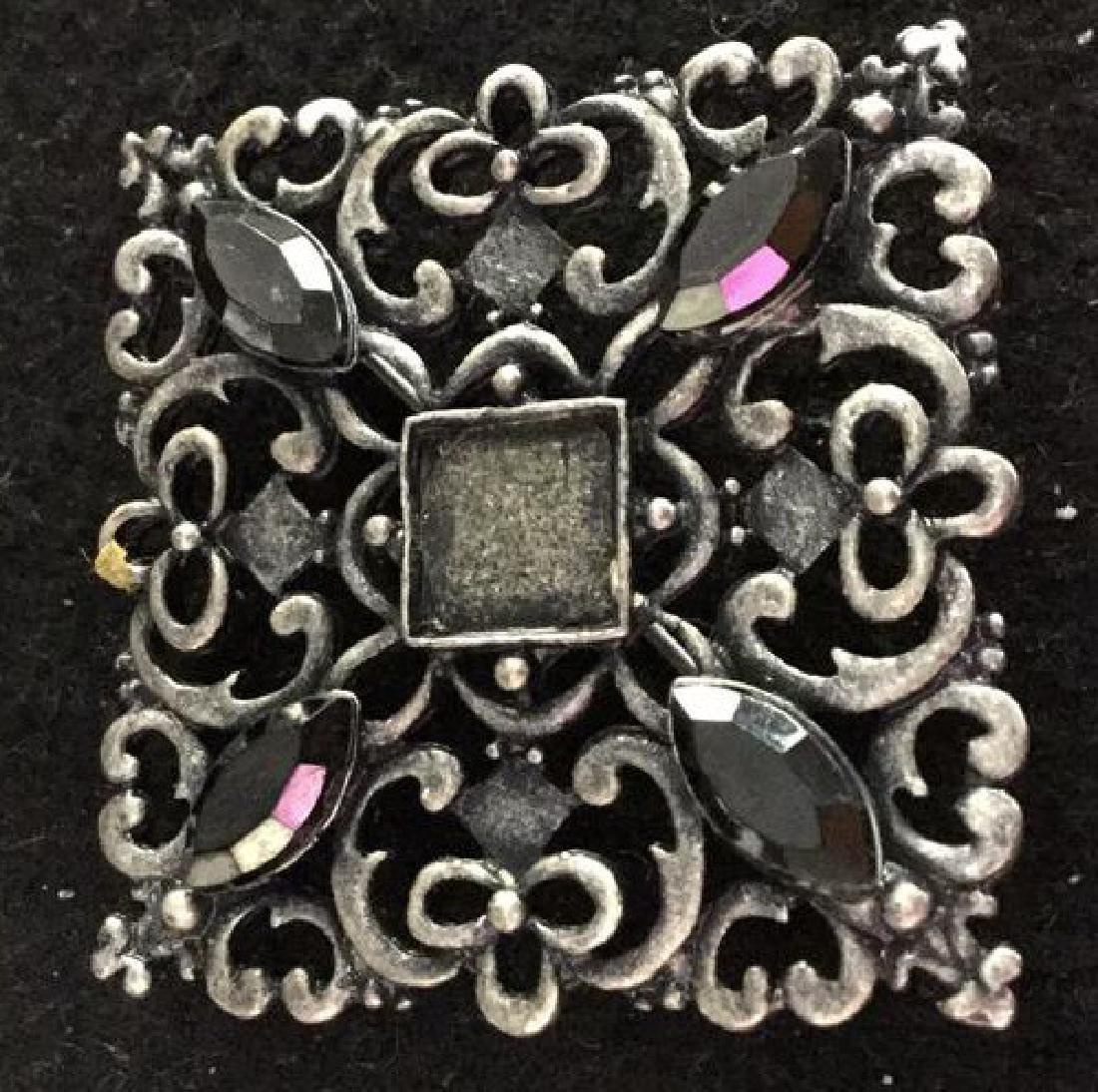 Porcelain Flower Pin - 7
