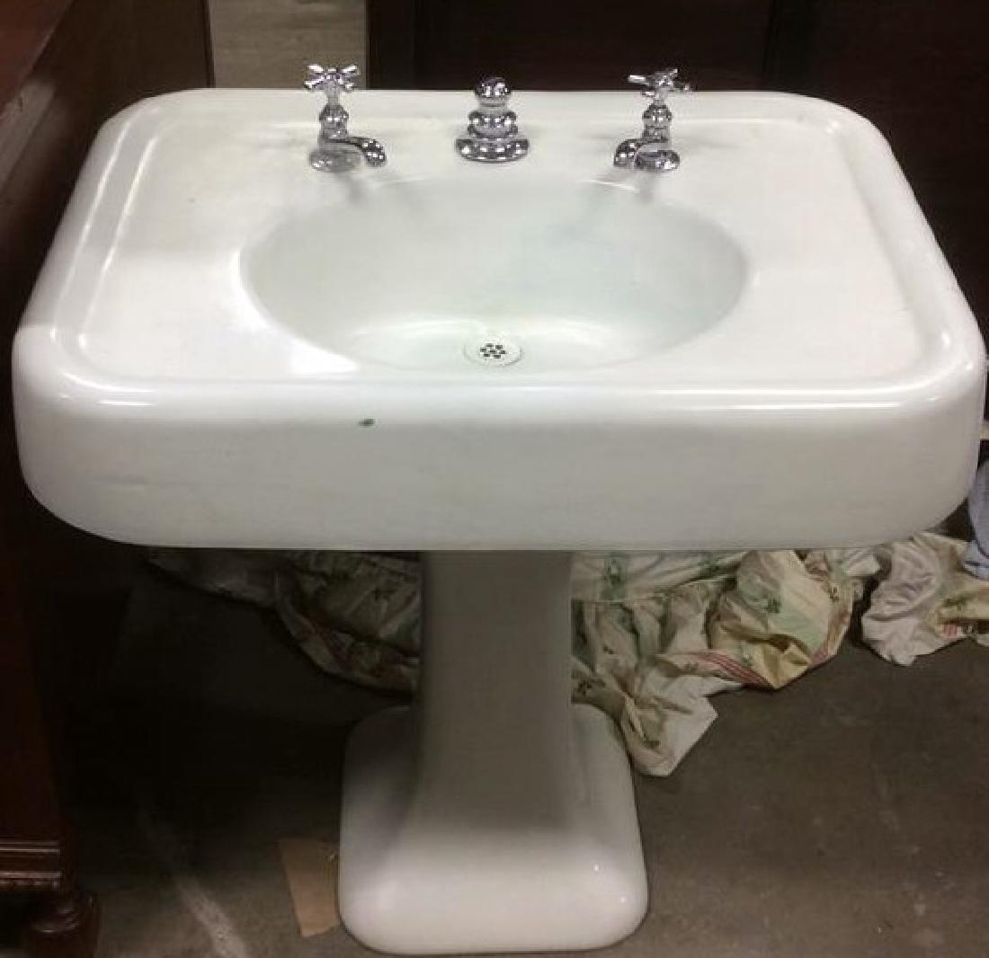 White Porcelain Cast Iron Pedestal Lavatory Sink