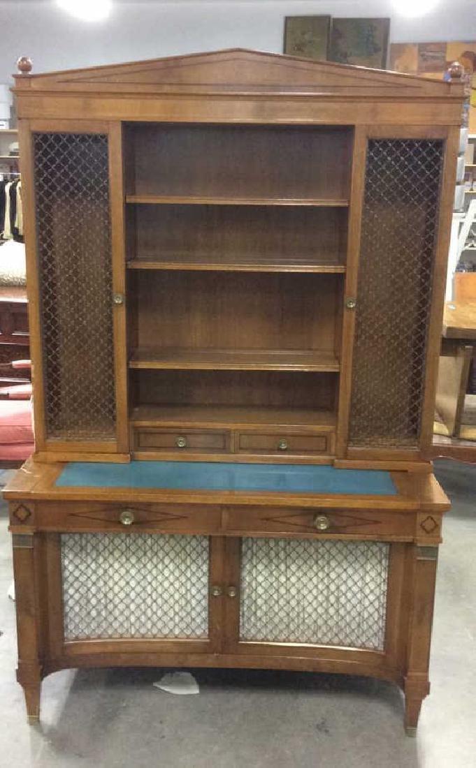 Wooden Hutch w Desk Top & Lower Cabinet