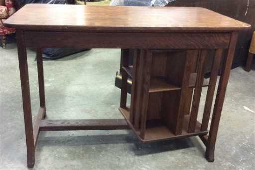 - Antique Mission Oak Desk W Turnstile