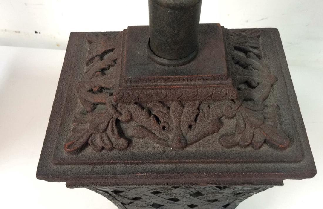 Lot 2 Pair of Ornate Table Lamps - 10