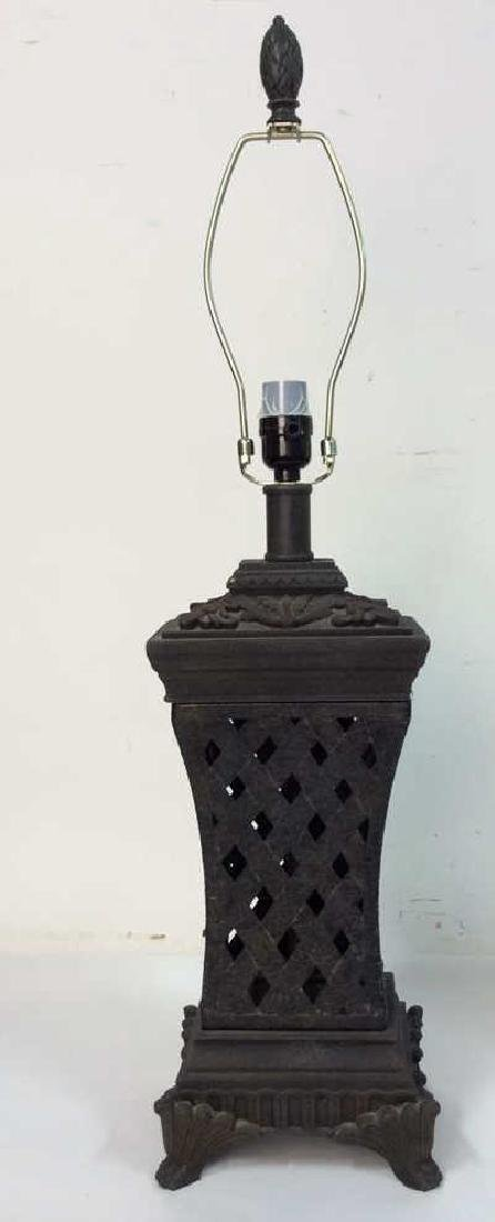 Lot 2 Pair of Ornate Table Lamps - 3
