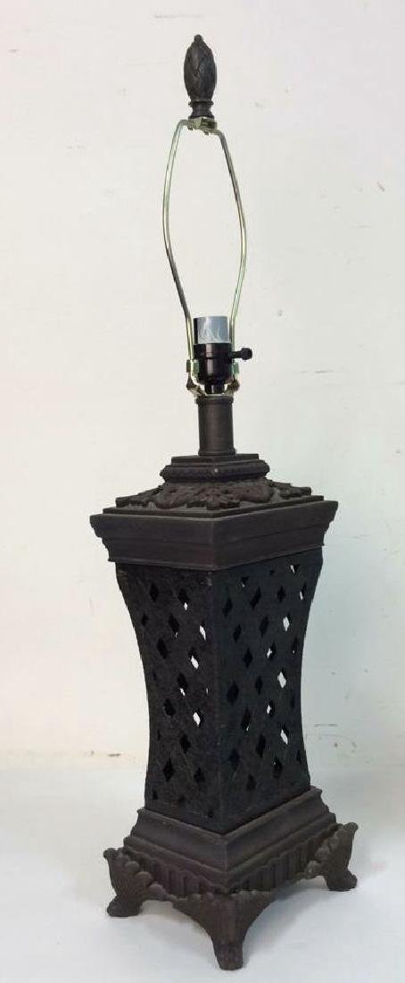 Lot 2 Pair of Ornate Table Lamps - 4
