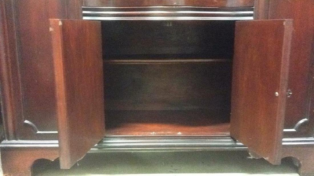 Mahogany and Glass Vintage China Cabinet - 7