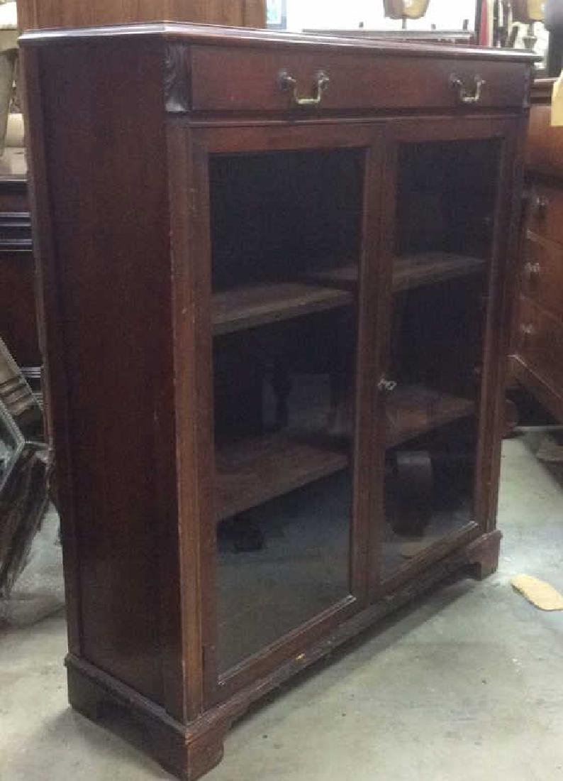 SLIGH FURNITURE Mahogany And Glass Display Case