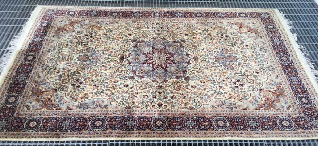 Oriental Style Fringed Detailed Wool Carpet