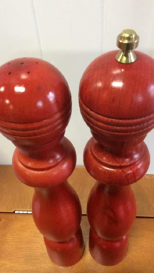 Red Wood Pepper Mill and Salt Shaker - 3