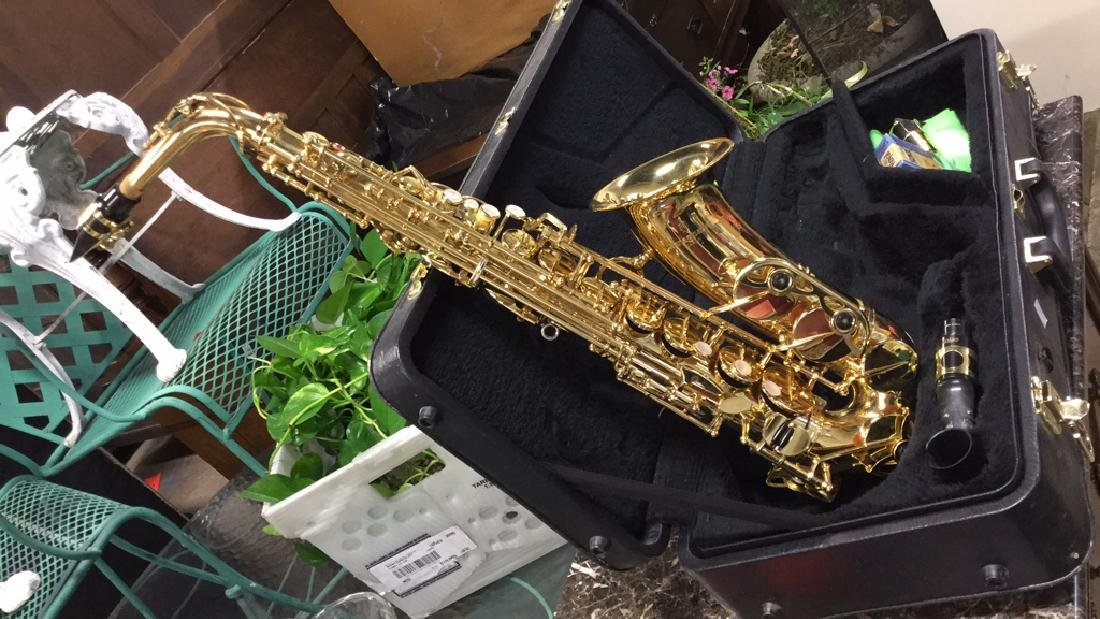 Yanagisawa 901Alto Saxophone W Case - 2