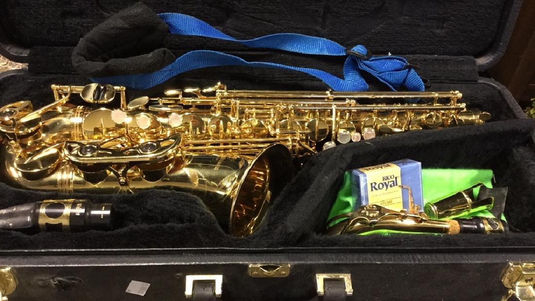 Yanagisawa 901Alto Saxophone W Case - 8