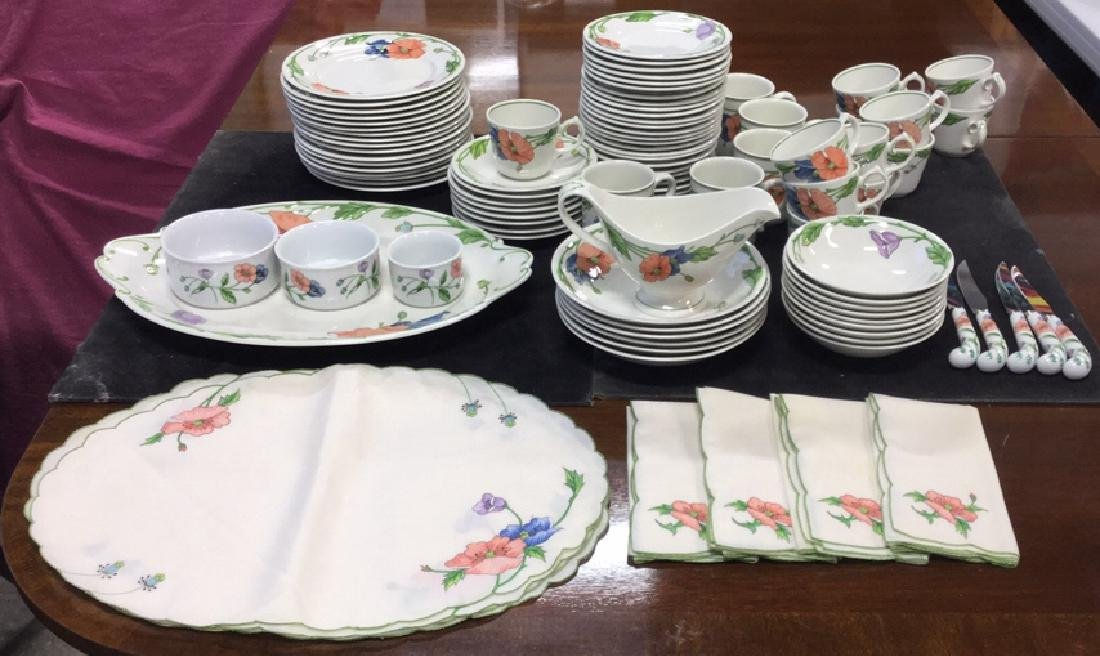 92 Piece VILLEROY & BOCH China Set