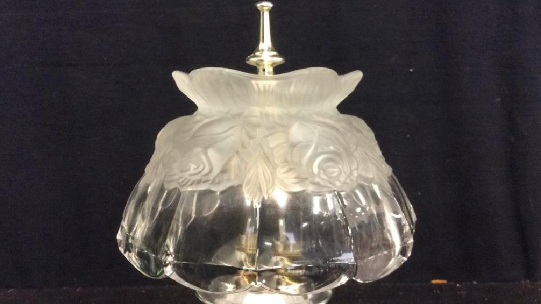 Floral Detailed Frosted Glass Table Lamp - 3