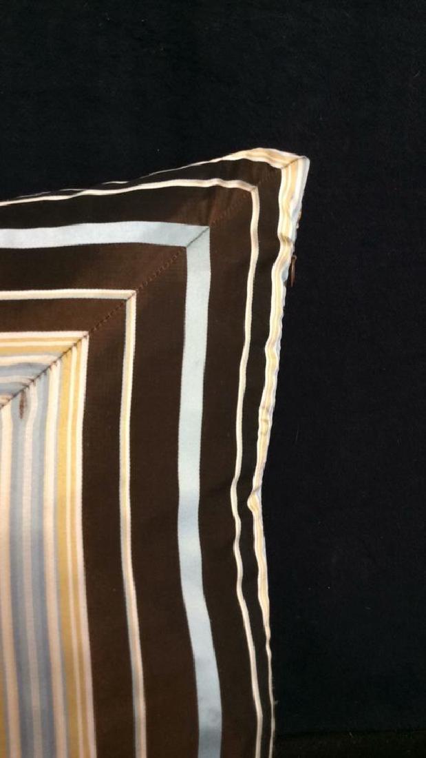 Geometric Decorative Pillow - 4
