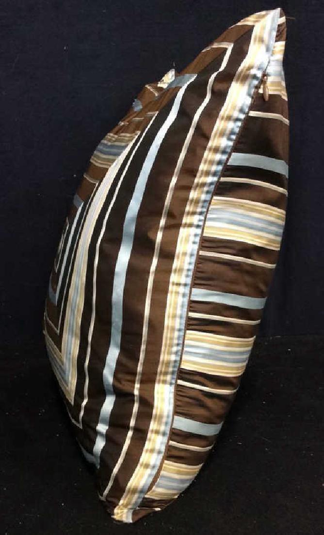 Geometric Decorative Pillow - 5