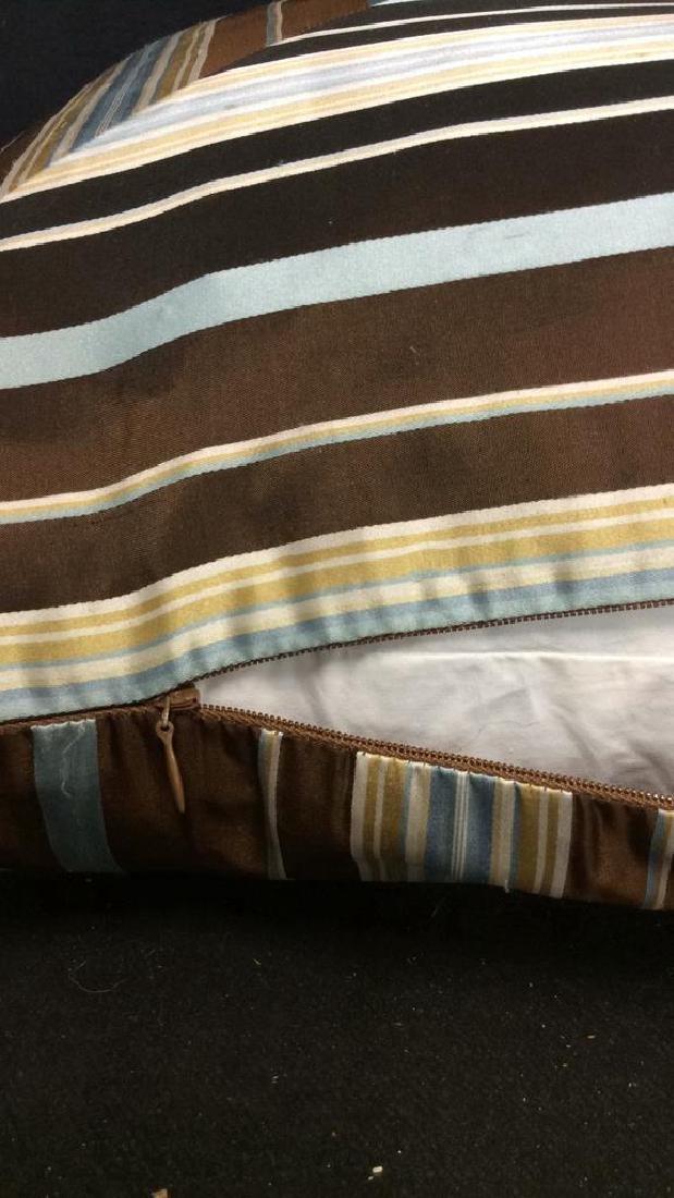 Geometric Decorative Pillow - 7