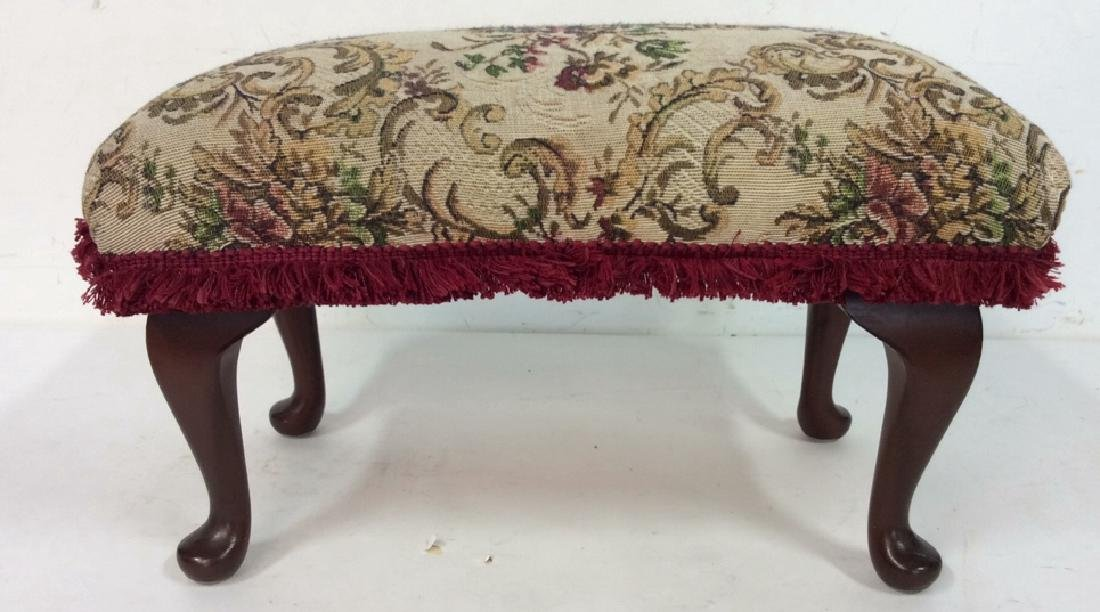 Embroidered Padded Leg Rest