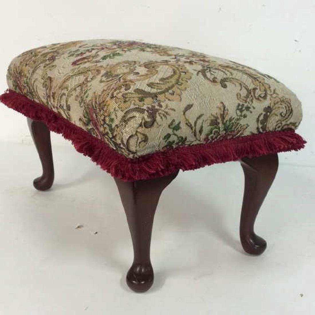 Embroidered Padded Leg Rest - 2