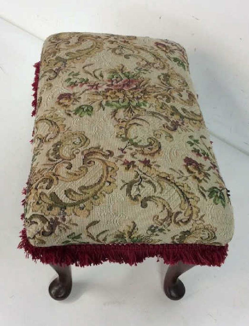 Embroidered Padded Leg Rest - 4