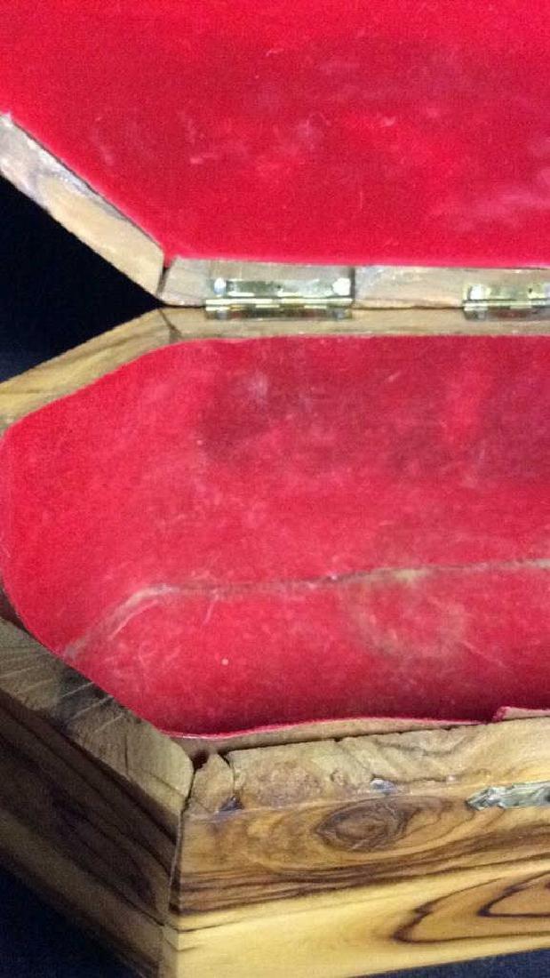 Wooden Judaica Etrog Box - 7