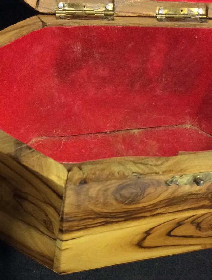 Wooden Judaica Etrog Box - 8