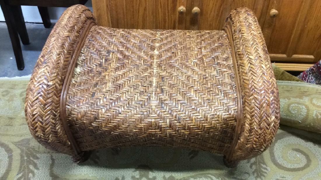 Lot 2 Woven Wicker Armchair & Footrest - 6