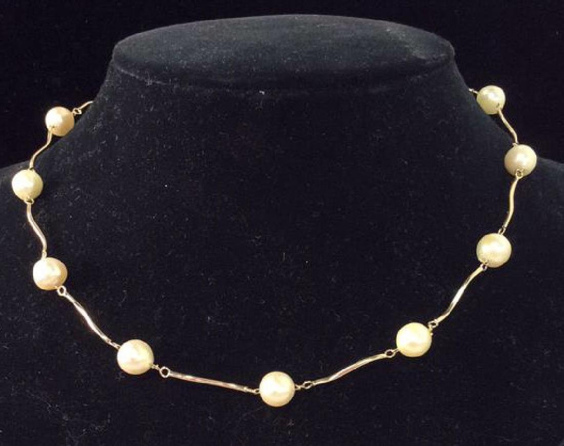 14 K CP Gold And Pearl Necklace Jewelry w Box