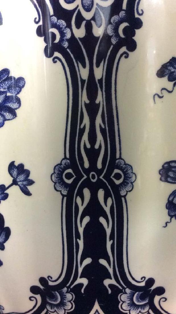 Ceramic Porcelain Floral Detailed Vase - 10
