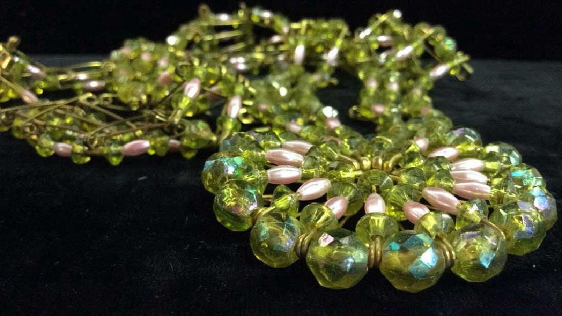 Woman's Beaded Necklace Estate Jewelry