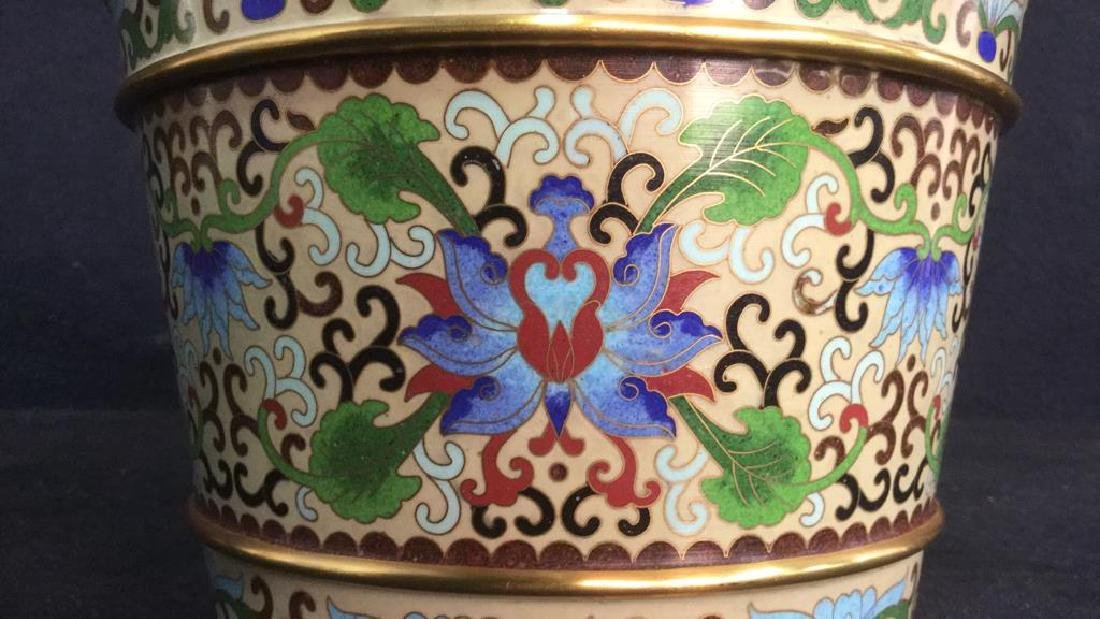 Chinoiserie Enameled Vase W Gold Toned Accents - 4