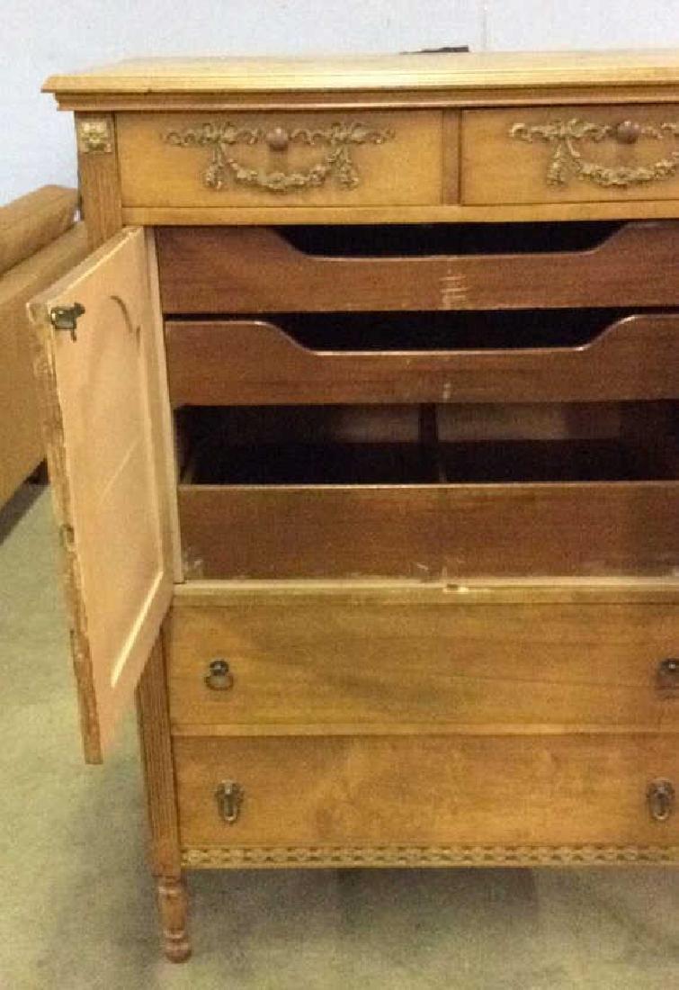 Vintage Carved Gilded Wooden Dresser - 5