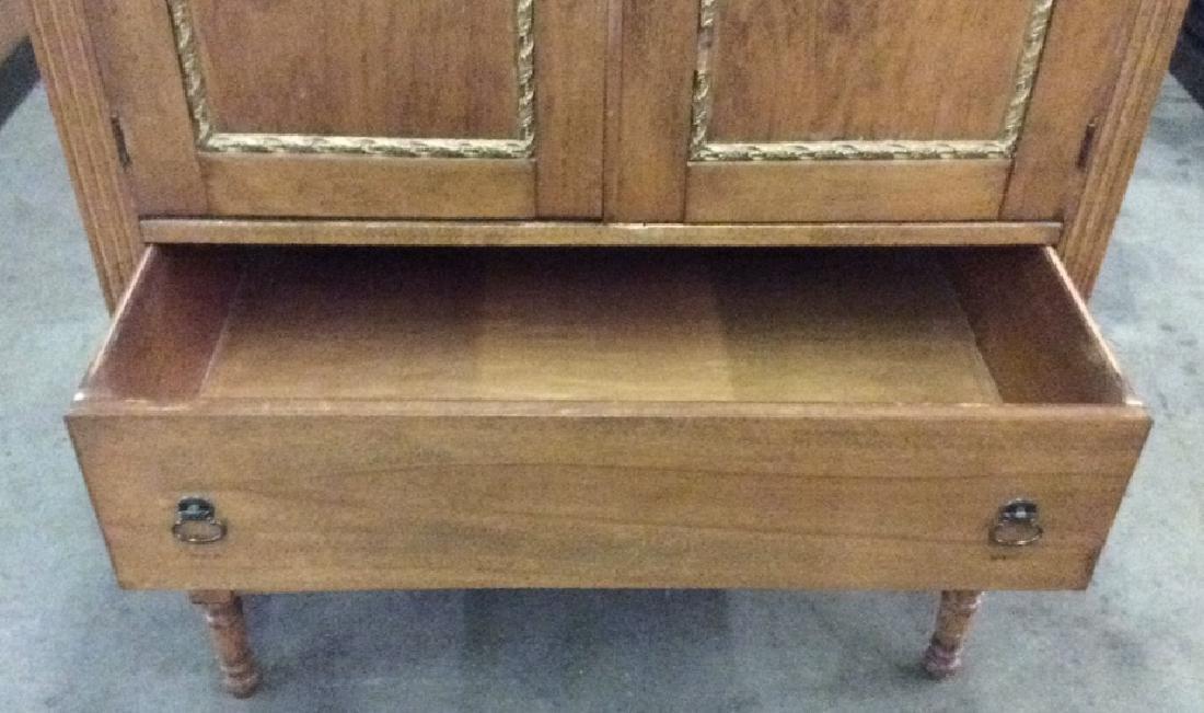Vintage Carved Gilded Wooden Dresser - 7