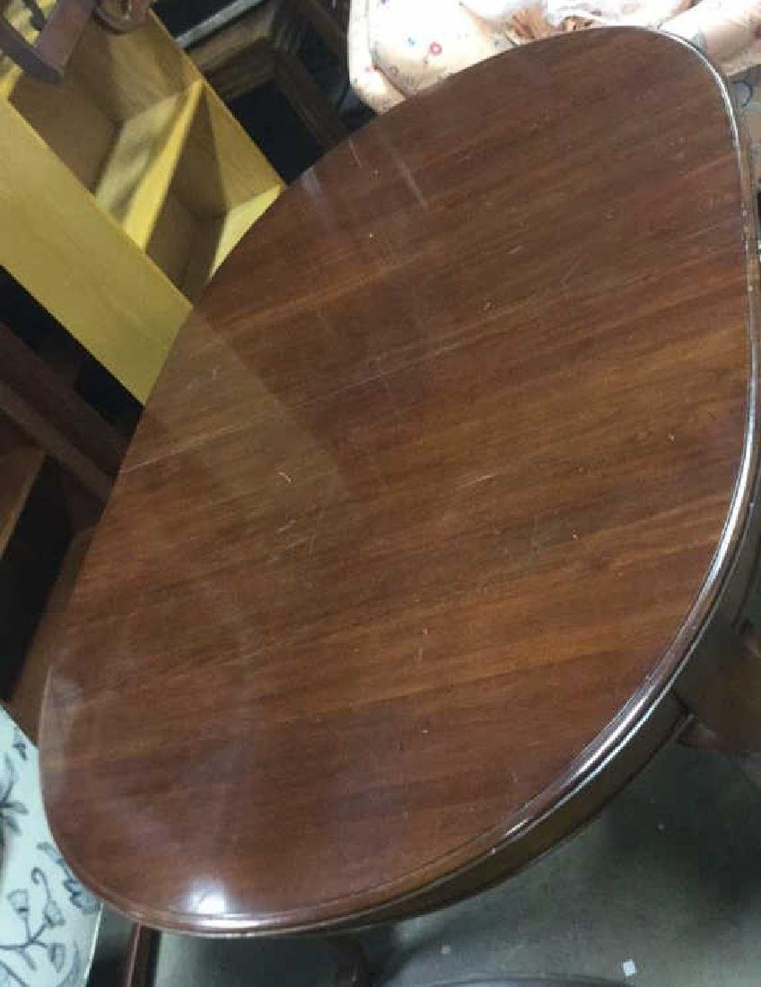 Queen Anne Cherry Oval Dining Table - 6