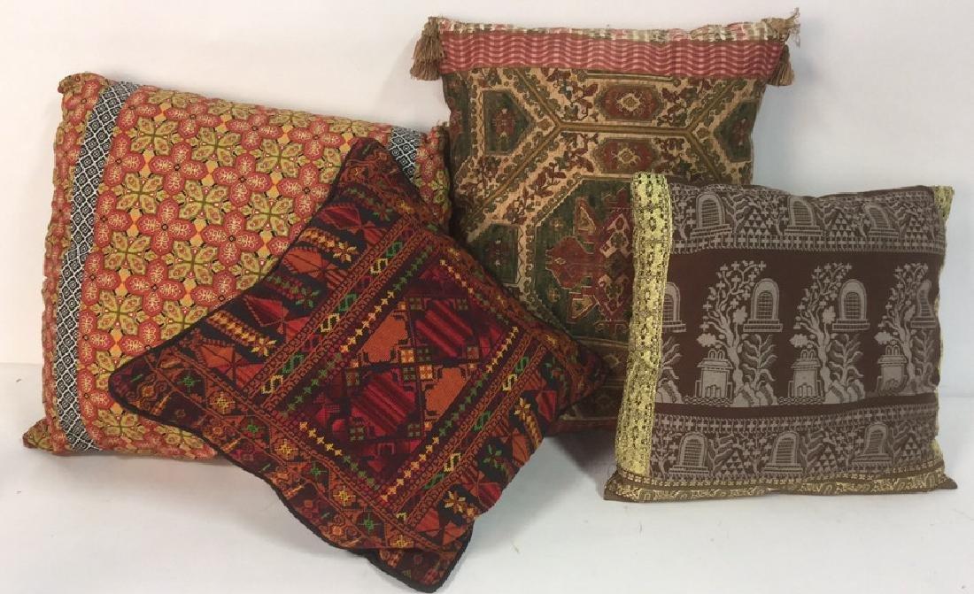 Lot 4 Colorful Decorative Throw Pillows