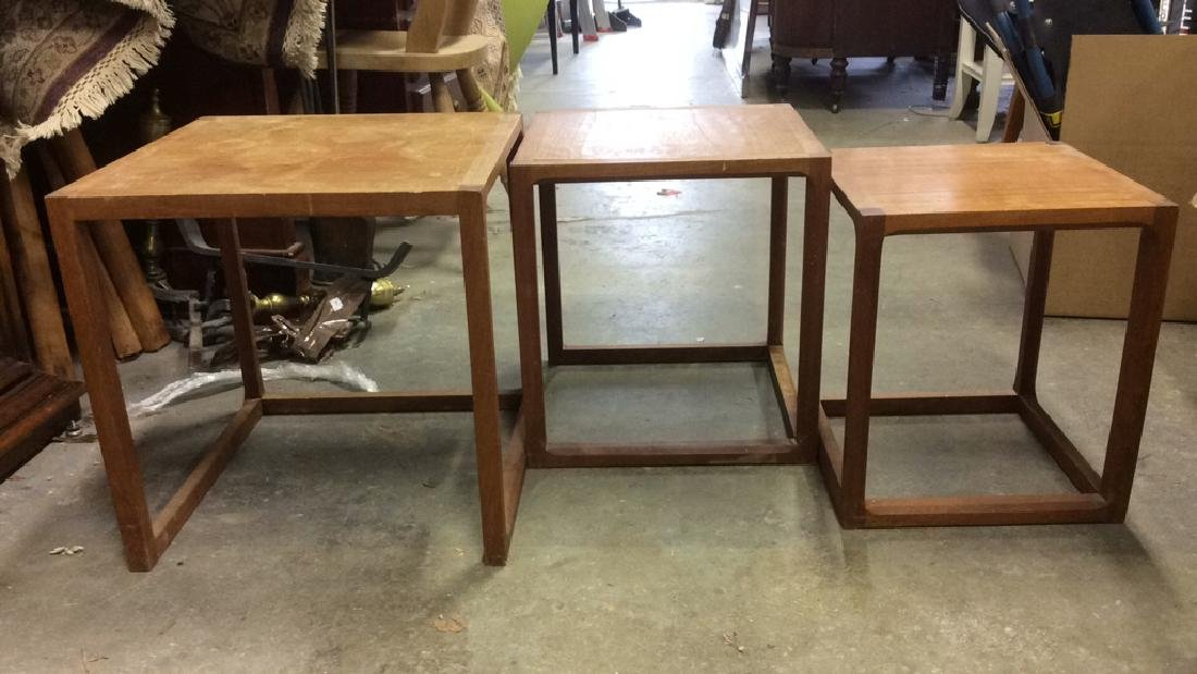Lot 3 Wooden Nesting Side Tables Various Sized